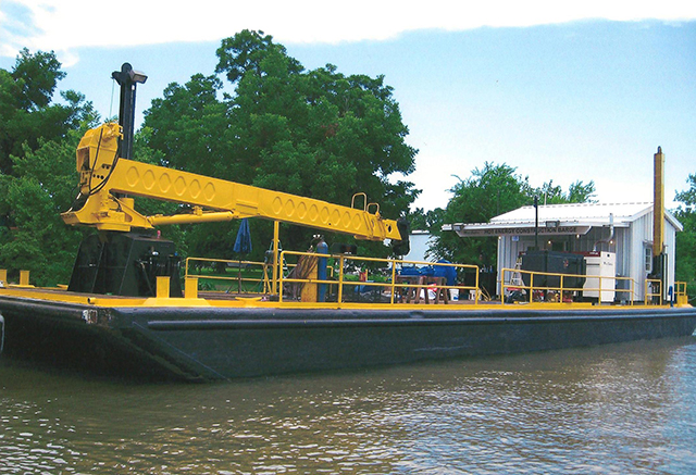 90' X 28' X 5.6' Spud Barge